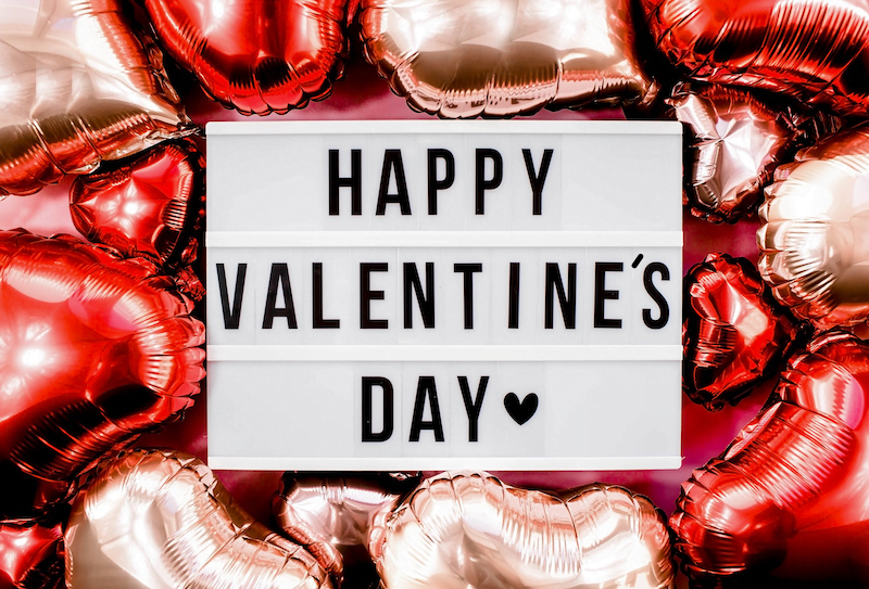 Happy Valentines Day Sign with balloons